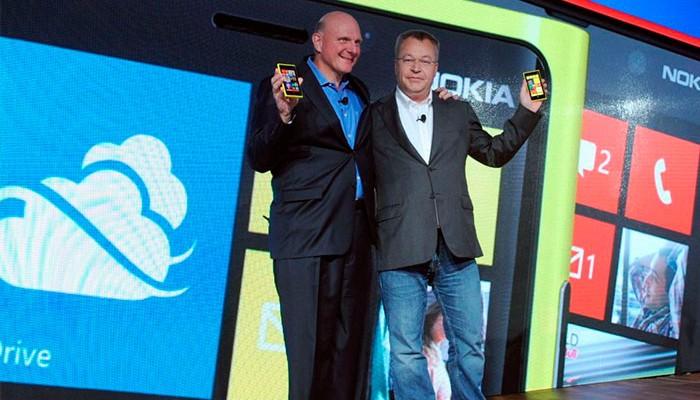 Stephen Elop y Steve Ballmer presentando los nuevos Nokia Lumia con Windows Phone 8