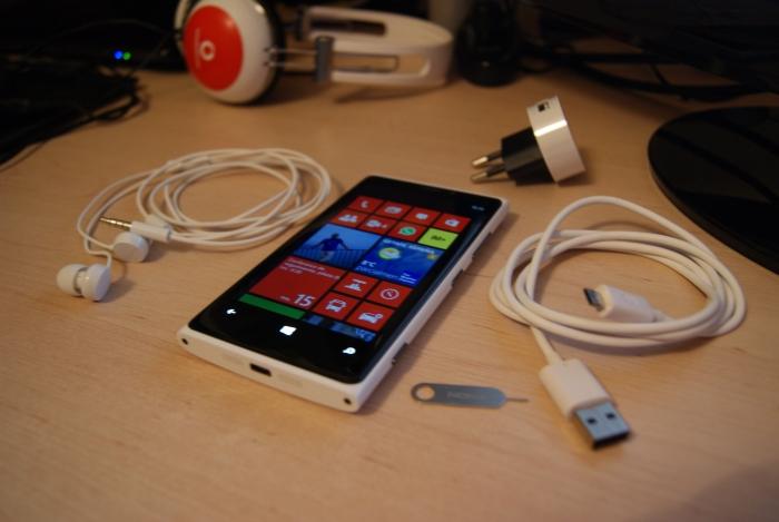 Contenido de la caja del Nokia Lumia 920