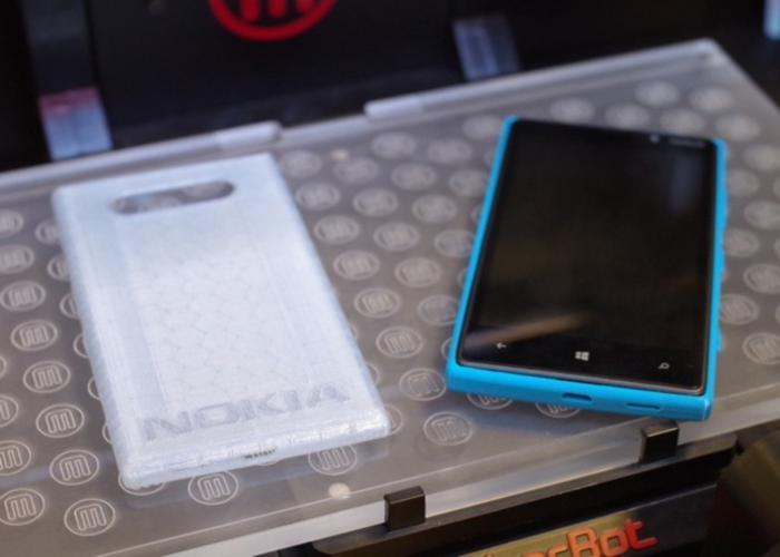 Carcasas para Nokia Lumia 820 creadas por impresión 3D