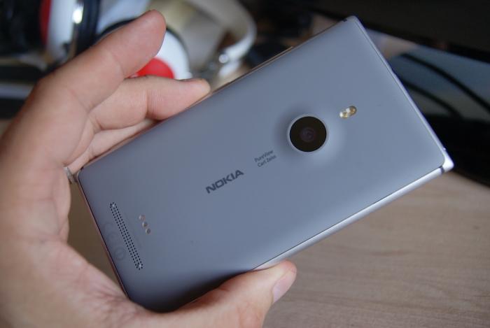 Nokia Lumia 925 parte trasera