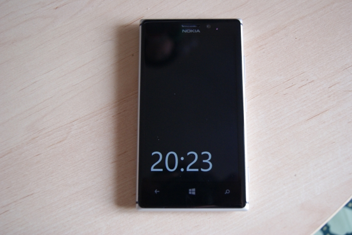 nueva pantalla de bloqueo con hora Nokia Lumia 925