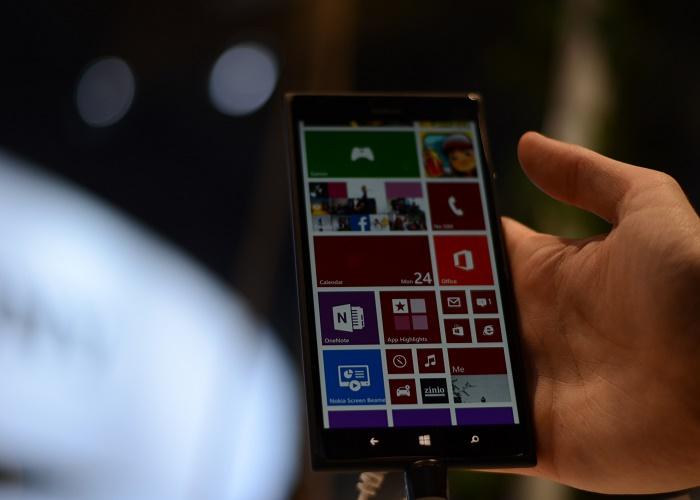 Nokia Lumia 1520 toma contacto 2