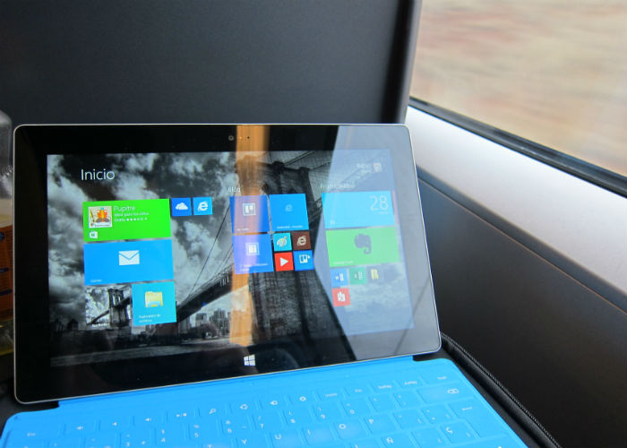 Surface 2 en el tren