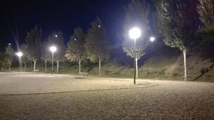 Nokia Lumia 830 foto 4 poca luz parque