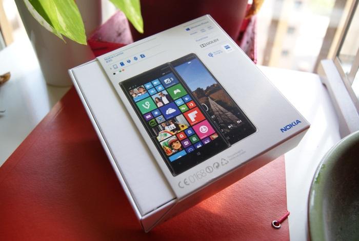Caja Nokia Lumia 830