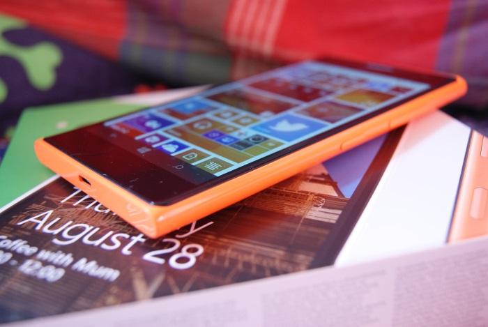 Nokia Lumia 735 pantalla gran angular
