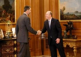 Felipe VI se reúne con Kevin Turner