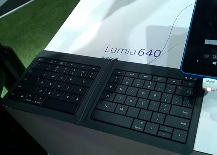 Lumia 640 con teclado Bluetooth