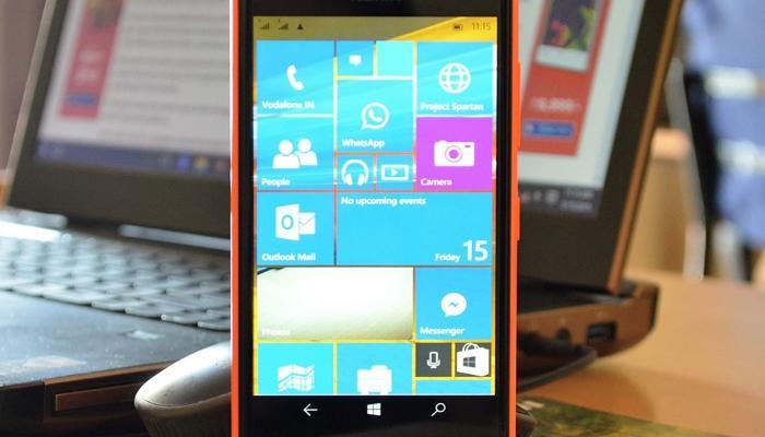 Windows 10 mobile Build 10080 en un Nokia Lumia 730