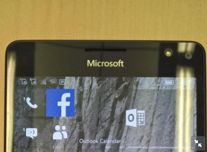 Lumia 950 XL flash frontal