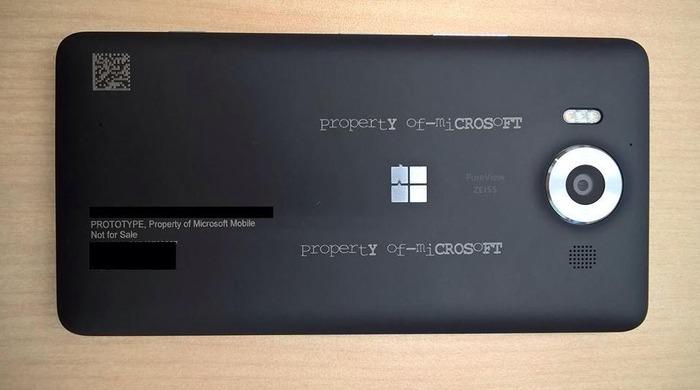 Lumia 950 por detras