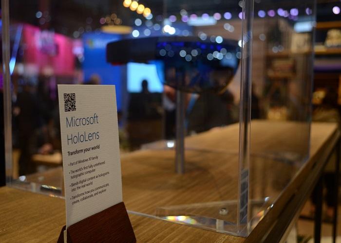 Microsoft HoloLens MWC 2016