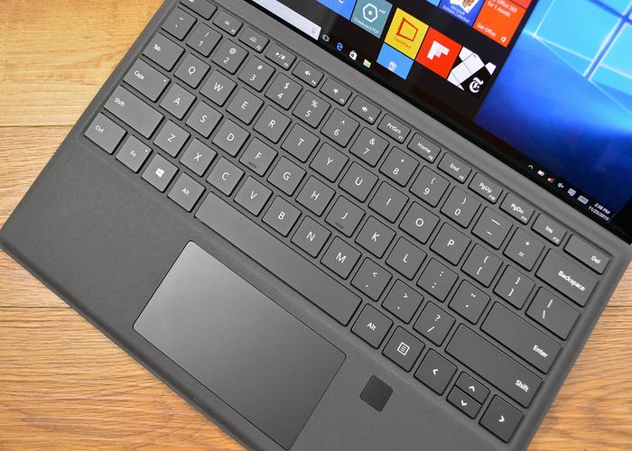 Funda con teclado para Surface Pro 4 con identificado cabecera