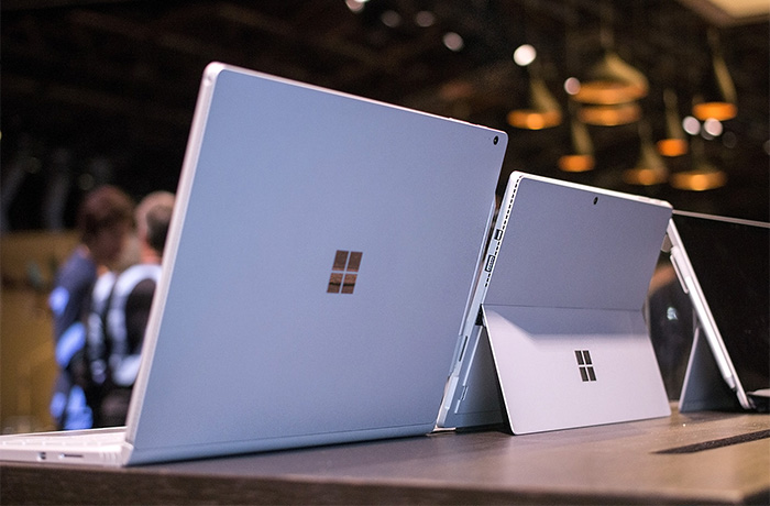 Parte trasera del Surface Book y Surface Pro 4