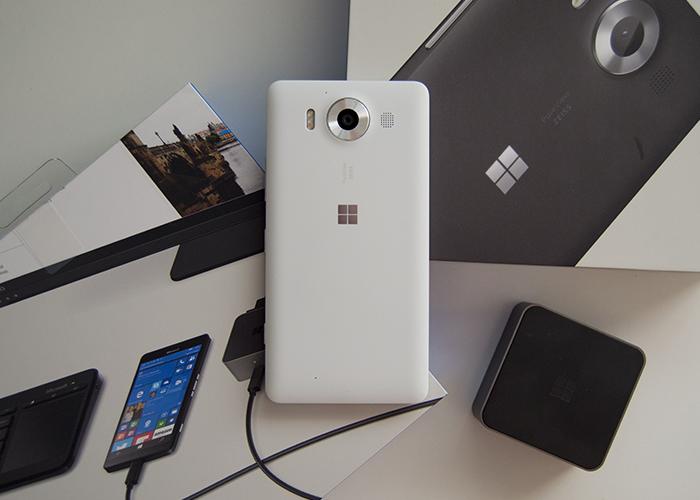 Lumia 950 con todos sus accesorios y cajas