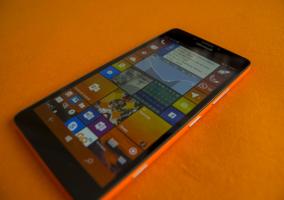 Pantalla de inicio de un Lumia 950