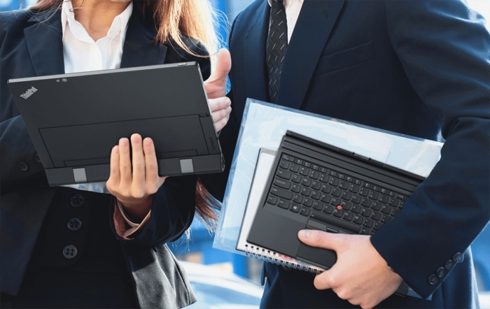 22_x1_tablet_3_devices_in_one_with_productivity_module_kb_under_arm-1