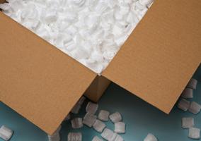 Caja abierta de envíos
