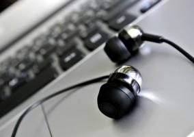 Auriculares Sobre Laptop