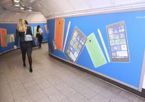 Anuncios del Lumia 930 en el metro de Londres