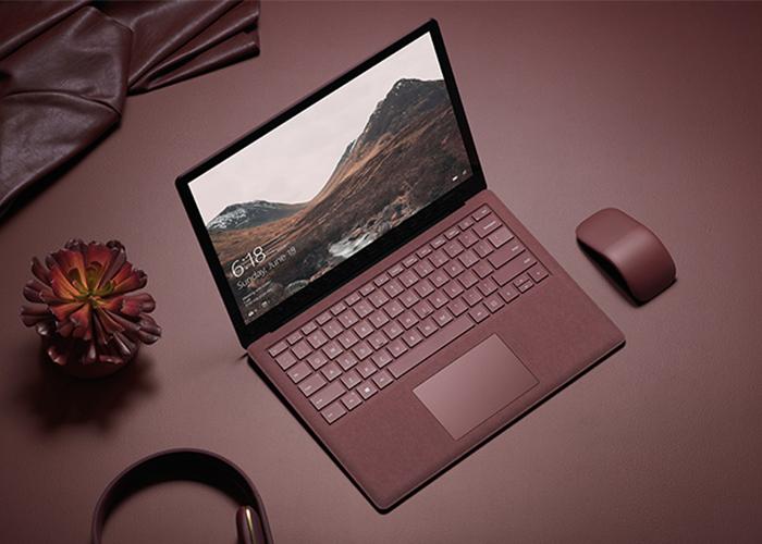 Imagen promocional del Surface Laptop y el Arc Mouse