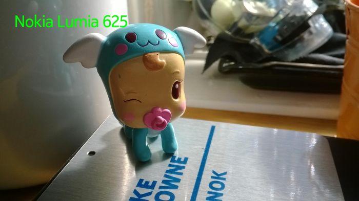 Nokia Lumia 625 baja luz