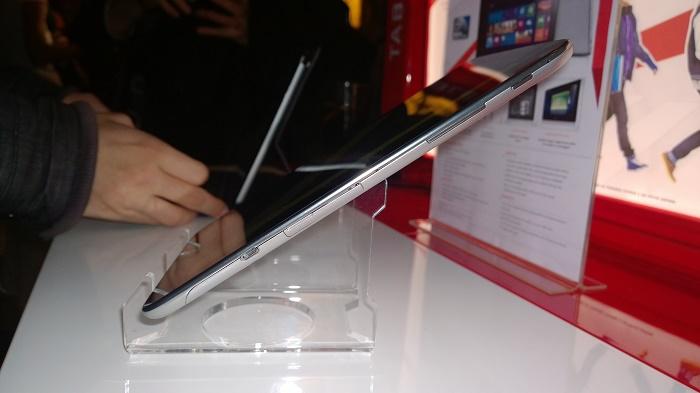 Grosor de tablet Lenovo Miix 8